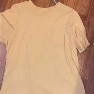 Yellow Vineyard Vines T-shirt- Size L